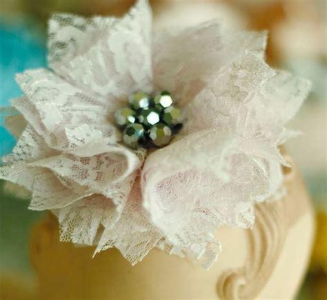 fiori in tessuto tutorial oltre 25 fantastiche idee su fare fiori di stoffa su