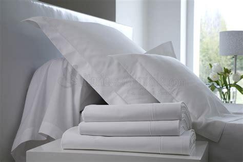 linge de lit uni satin de coton blanc des vosges