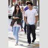 Selena Gomez And Taylor Lautner Kissing   236 x 368 jpeg 19kB