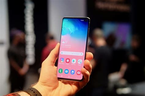 Samsung Galaxy S10 Length by Samsung Galaxy S10 Review On It Has Some Stiff Competition