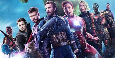 captain marvel joins team gorgeous avengers fan art