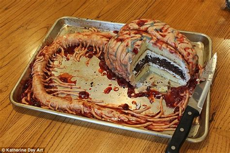 New York nurse designs cakes based on body organs and