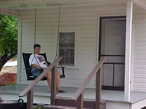 porch swing in tupelo natchez trace parkway
