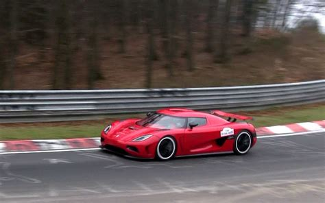 koenigsegg one 1 wallpaper 1080p red koenigsegg agera r driving on nordschleife 1080p hd