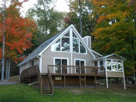 Small Lakefront House Plans by Pocono Style Lakehouse Lakefront Beachfront Vrbo