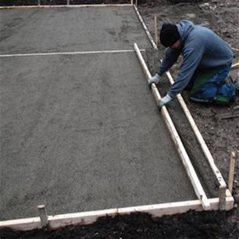 How To Lay A Patio Base by How To Lay Pavers Green Home Landscape Source