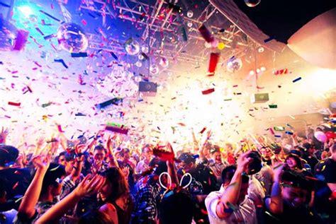 bar top dancing singapore singapore nightclubs check out singapore nightclubs cntravel