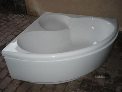 vasca da bagno angolo oltre 25 fantastiche idee su vasca da bagno ad angolo su