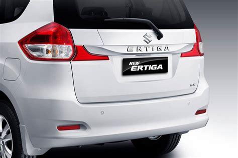 Suzuki Ertiga New 2016 Ertiga Facelift Unveiled Indian Launch Soon Pics