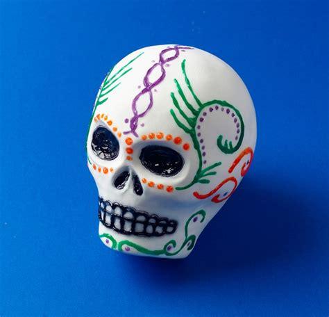 dia de los muertos crafts for sugar skulls for dia de los muertos craft crayola