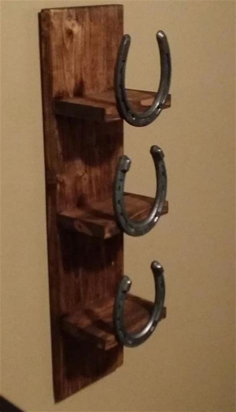 horseshoe couch pallet and horseshoe bathroom towel rack pallet
