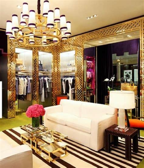 walk in the room in gold ankleidezimmer einrichten die elegante zugabe ihrer wohnung
