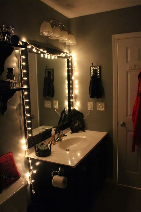 bathroom mirror with lights around it 25 best ideas about college bathroom on