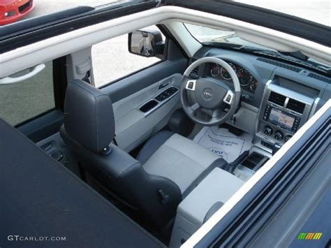 liberty jeep interior jeep liberty interior 2008 imgkid com the image