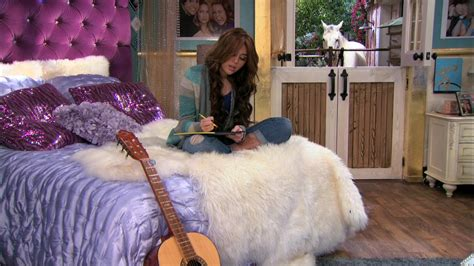 hannah montana bedroom hmforever review eps 2 3 hannah to the principal s office