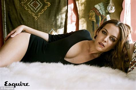 daniele nnmodel elvis presley s granddaughter riley keough in risque shoot