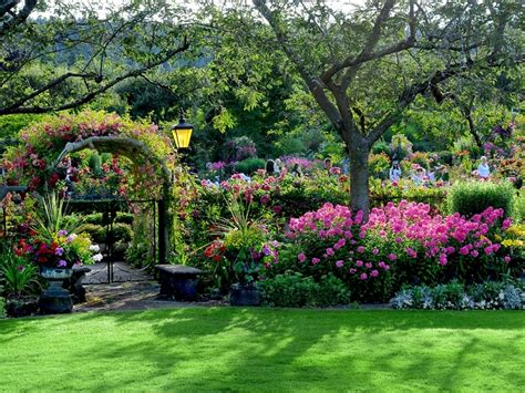 gardens of the world butchart gardens spring www imgkid com the image kid
