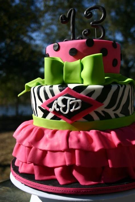 leopard birthday cake leopard print cakes lolo s cakes sweets