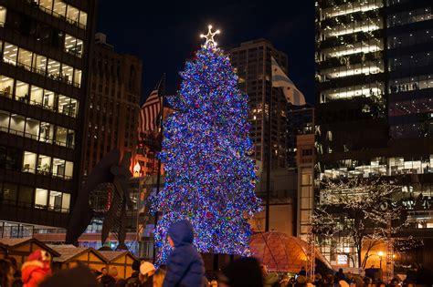 chicago christmas tree lighting holiday gift guide 2015