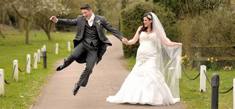 Wedding Pictures by Wedding Venues In Essex Weddings At Fennes Bocking