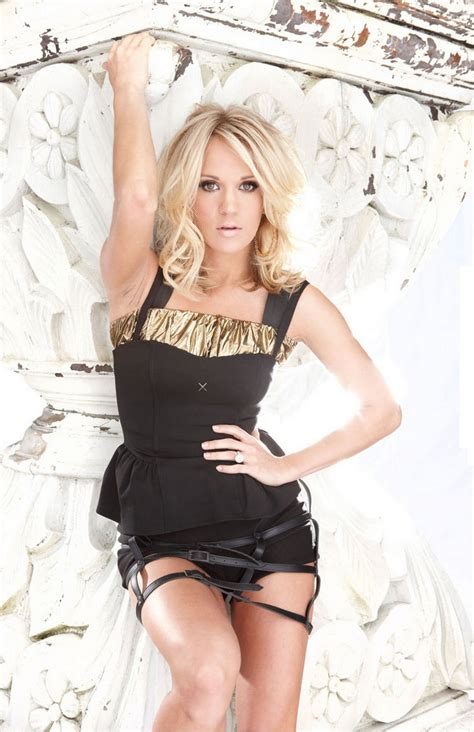carrie underwood lovecelebrity women we love carrie underwood 34 photos suburban