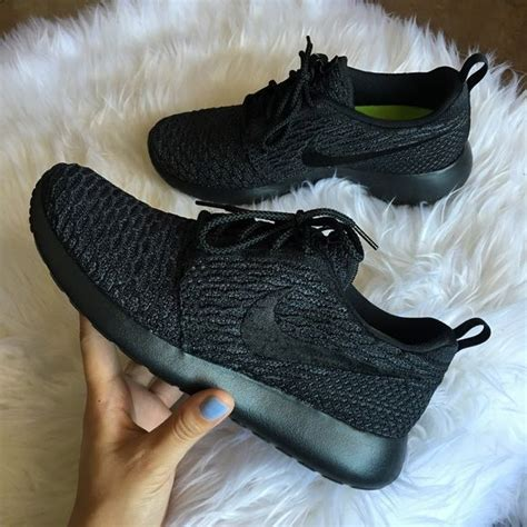 all black womens athletic shoes best 25 all black nikes ideas on all black