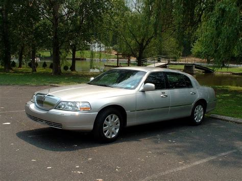 Limo Transportation Services by Limo Service Bux Mont Transportation Services Co