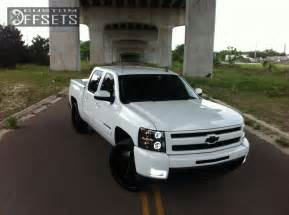 Chevrolet Truck Aftermarket Wheels Wheel Offset 2010 Chevrolet Silverado 1500 Tucked Leveling
