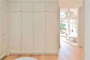 Walk In Cabinet Design by Walk In Closet With Floor To Ceiling Wardrobe Cabinets