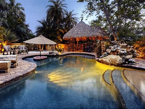 Luau Tiki Bar Hut Waterfront Home 3 Bdr 2 Bath Heated Vrbo