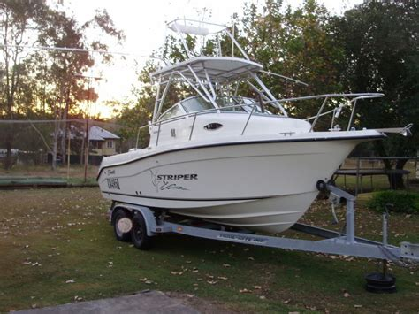 2004 seaswirl striper wa 2101 cruiser fishing boat - Striper Boats For Sale Australia