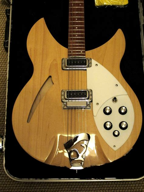 list    electric guitar manufacturers