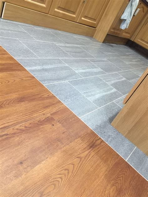 RussdalesDifference between Laminate and Vinyl Flooring