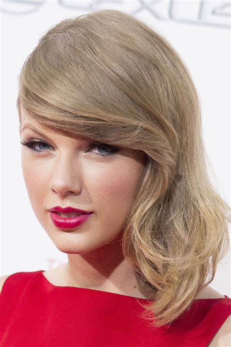 what colours does taylor swift use for ash blonde hair taylor swift straight ash blonde faux sidecut side part