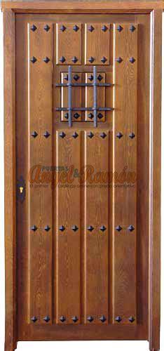 puerta madera rustica
