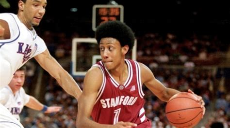 Stanford Scholarship Usa Mba by Professional Basketball Player Supports Summer Studies