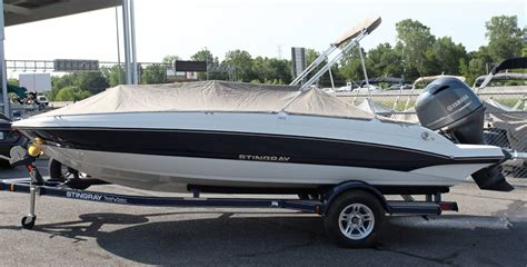 stingray deck boat for sale stingray 182 sc deck boat boats for sale boats