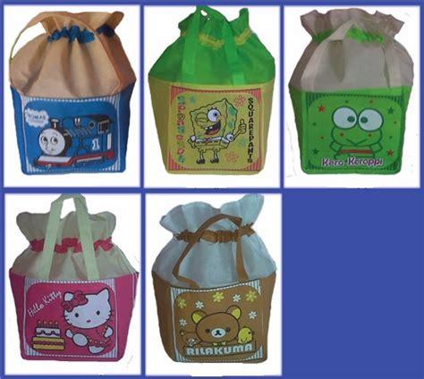 Tas Kantong Ulang Tahun Goodie Bag Anak Souvenir tas souvenir ulang tahun anak tas spunbond kartun goodie