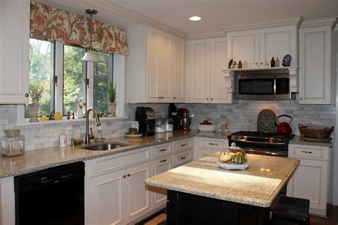 Kitchen Countertops With White Cabinets by Buying White Kitchen Cabinets For Your Cool Kitchen
