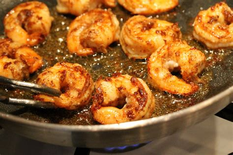 how to cook raw shrimp in skillet