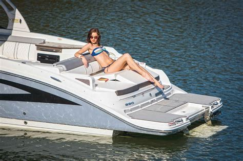 malibu boats hiring sea ray 290 sundeck with seadek seadek marine products