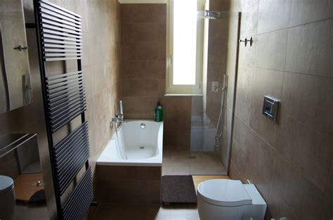 rifacimento vasche da bagno foto rifacimento bagno con doccia e vasca di verde