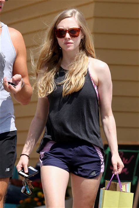 amanda seyfried movies and tv shows amanda seyfried shows off her legs in a pair of short