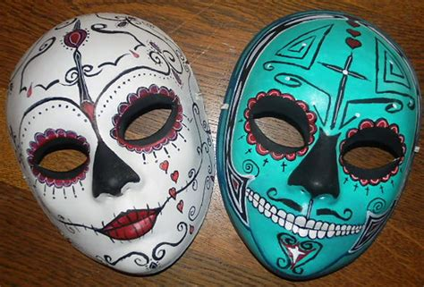 How To Make Paper Mache Masks On Your - paper mache mask