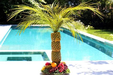 pineapple palm tree   serving tray ehow