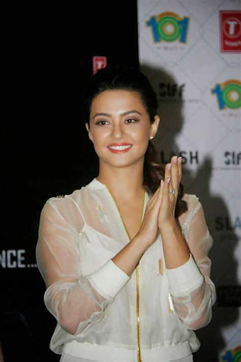 biography of film hate story 3 hate story 2 film actress surveen chawla hd stills cap