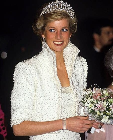 lade di design in pictures diana princess of wales in designs by