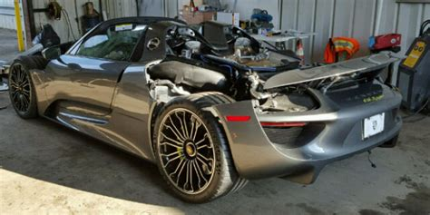 porsche 918 crash newmotoring porsche 918 crash auction newmotoring