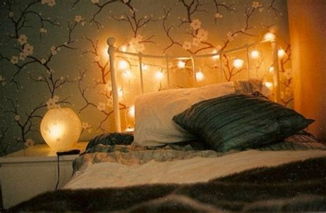 bedroom lighting ideas with flowers wall paint