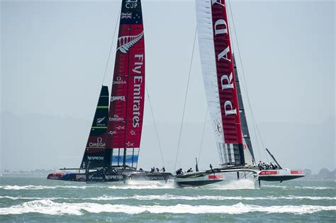 round robin boat race first two boat race of the louis vuitton cup yachts and